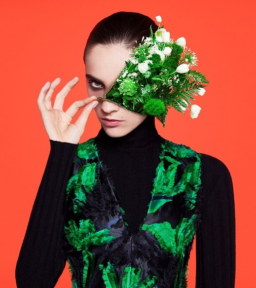 צילום ארון פילקיי והנרי הארגריבס- FLOWER FACE FINAL