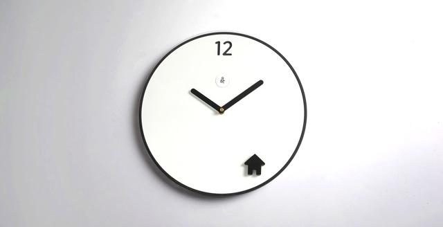 שעון time-to-go של מותג rack&tack, להשיג באתר Shuuga design, צילום באדיבות המותג