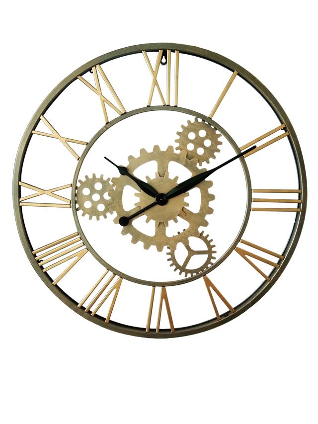 שעון קיר מוזהב במראה תעשייתי, להשיג ברשת ביתילי, צילום: ישראל כהן