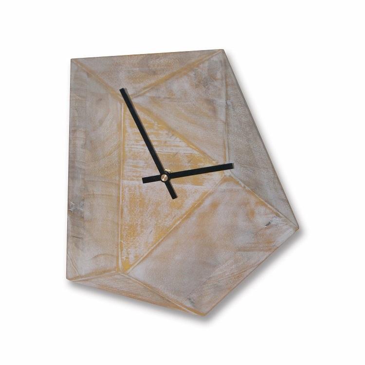 שעון עץ גאומטרי, להשיג ברשת ביתילי, צילום: ישראל כהן