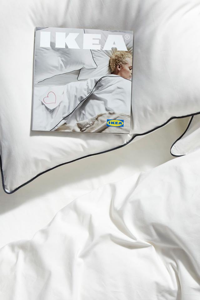 במיטה עם איקאה