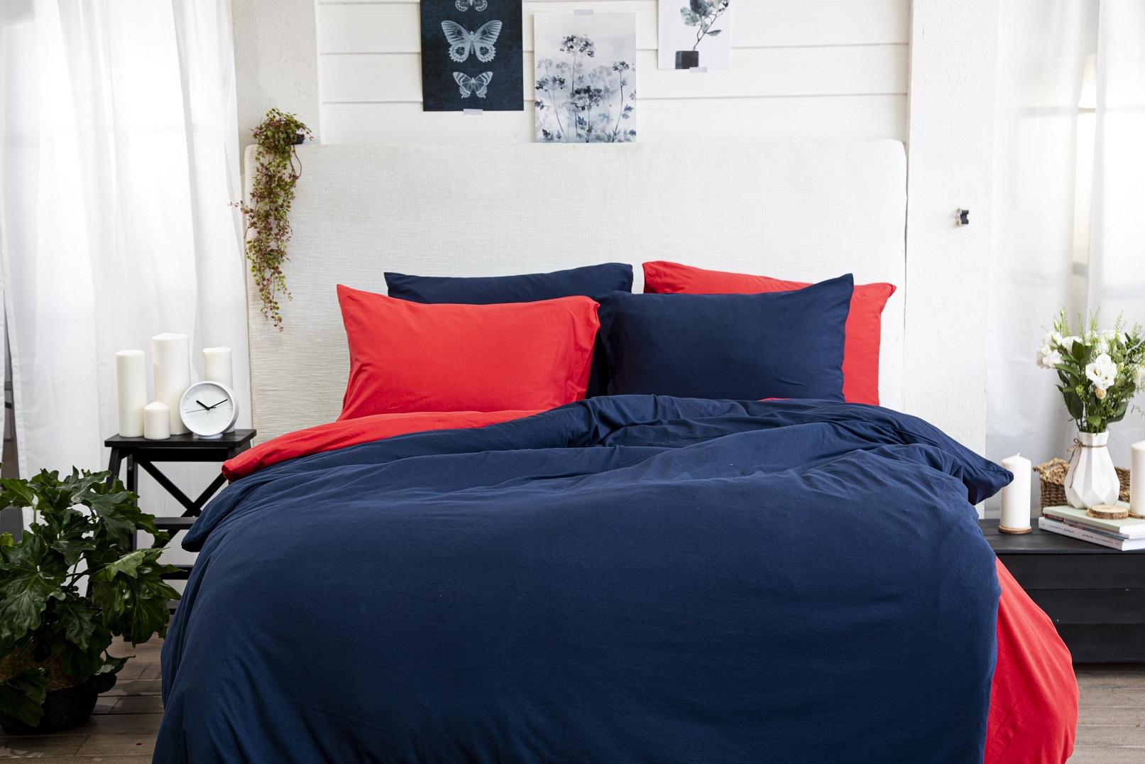 ורדינון, מיקס אדום וכחול מבד ג'רסי, צילום: דן לב