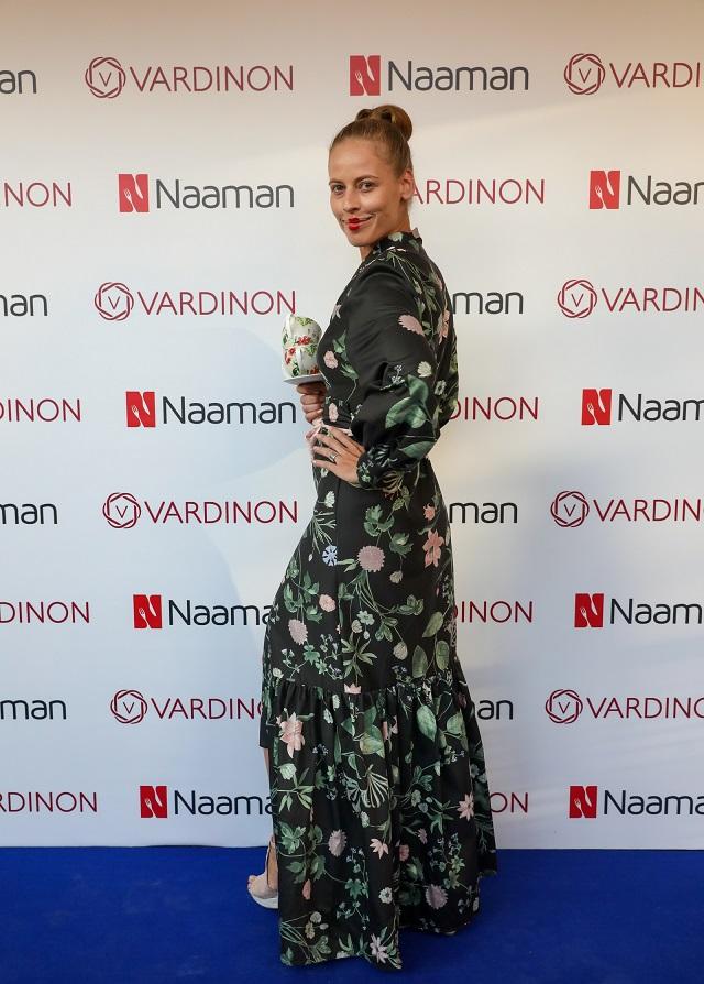 מצעי ורדינון בגרסת השמלה, בהשראת הדגם שני, צילום: רונן טופלברג