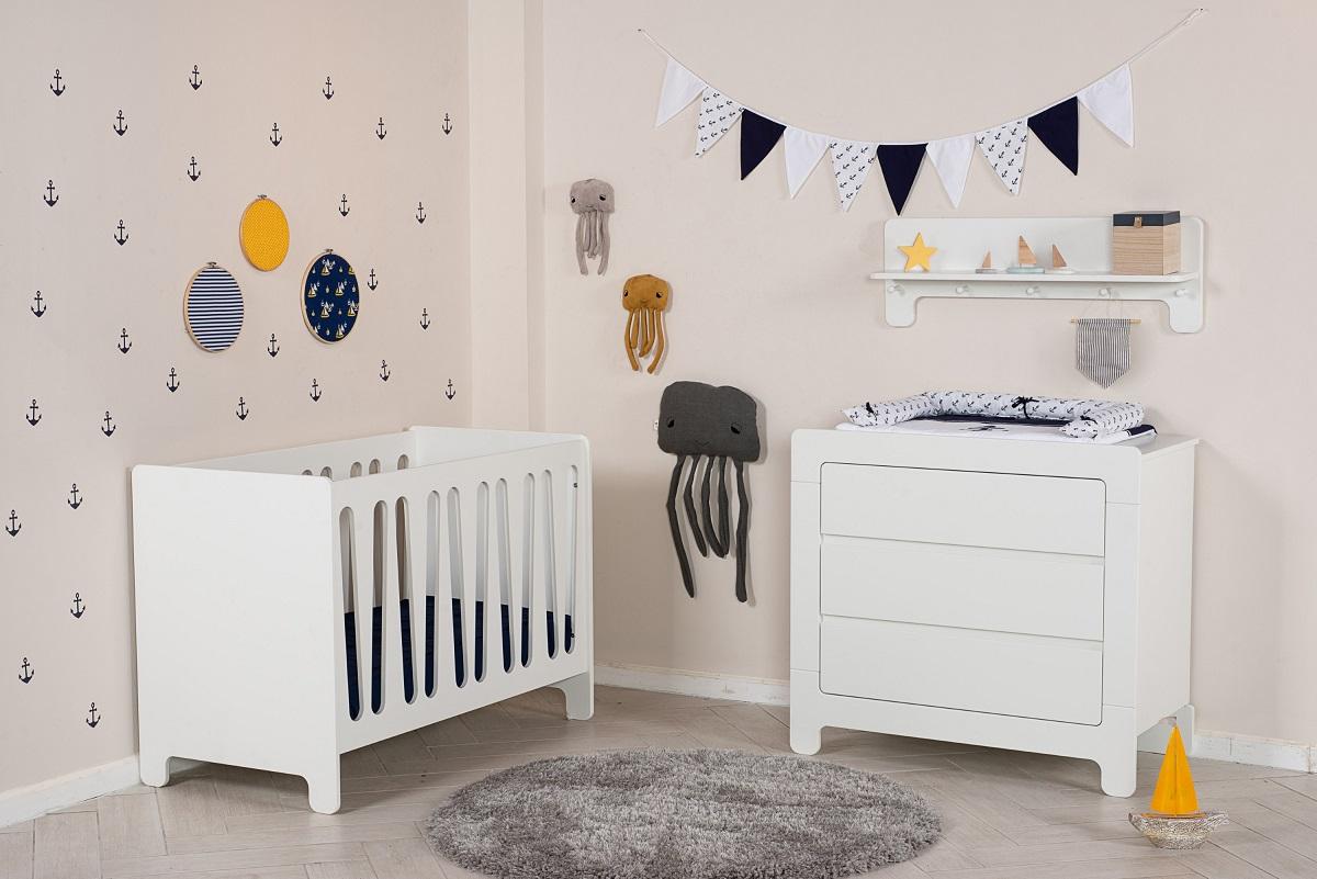 קווים ישרים ונקיים - חדר תינוק דגם moon מקולקציית בייבי, להשיג ברשת עצמל'ה רהיטי ילדים ונוער, צילום שחר פליישמן