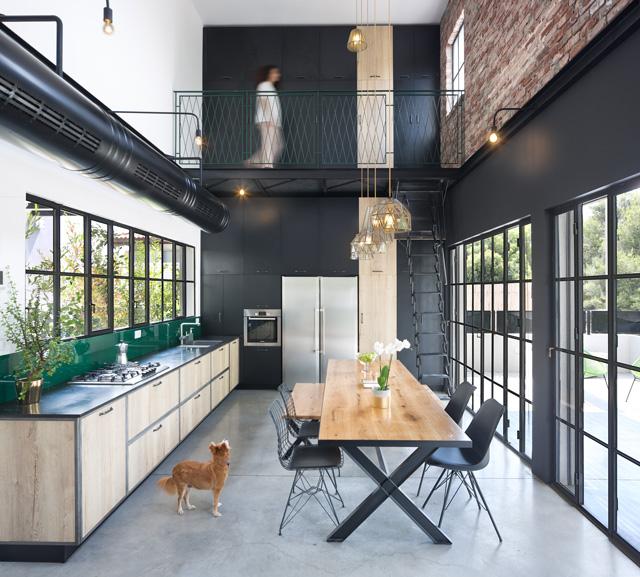 שחור מתוחכם ומסתורי, מזי מיכאל תכנון ועיצוב פנים, רון שינקין אדריכלות, צילום שי אפשטיין