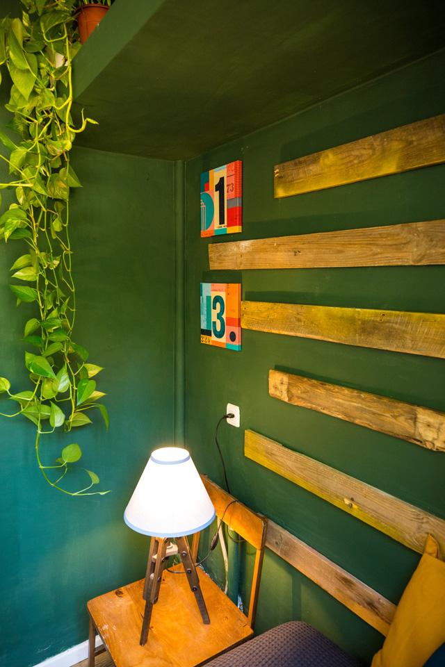 חדר הכביסה הקטן הפך לחדר שינה נוסף לחייל בודד, עיצוב: התלמידות של מירי בלבול, סקולה, צלם: יניב שמידט