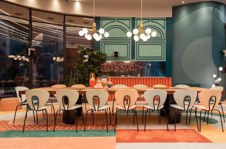 צבעוניות בהשראה ספרדית כמו בסרטים של פדרו אלמודובר, צילום ליאור גרונדמן