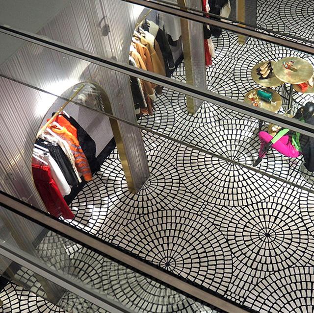 כמה אפשר לחדש בחנות בגדים?
