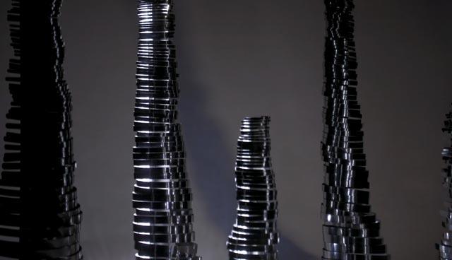 """קולקציית """"Shiny lights"""", קולקציית קונספקט שבזכותה התקבלה תעוז להציג בחממת המעצבים הצעירים במילנו"""