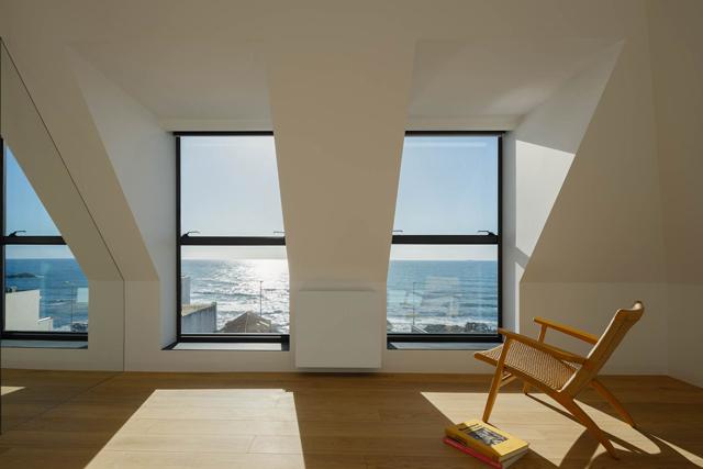Architect Andrés Stebelski צילום: ivo tavares studio